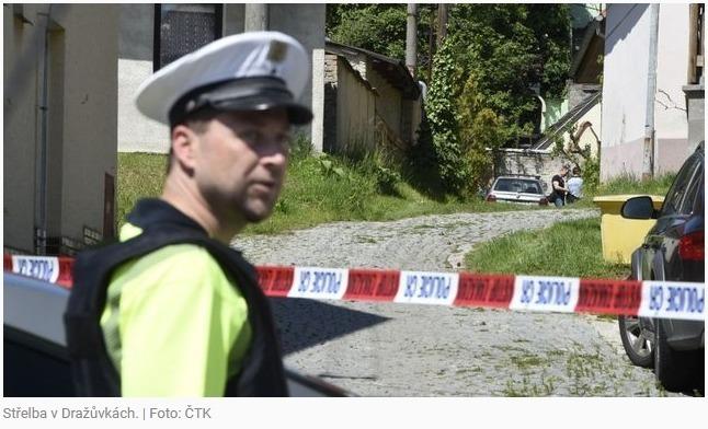 Muž při sousedském sporu zabil místostarostu v Dražůvkách, vystřelil bez varování