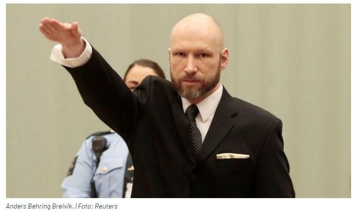Schvaloval smrt 77 lidí. Česká policie obvinila muže z podpory teroristy Breivika