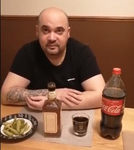 Marian Putnoky  ,Vytvořil rekord …Vypil flašku whisky za 30s